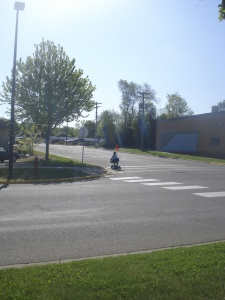 Safe crossing of 7th Street needed