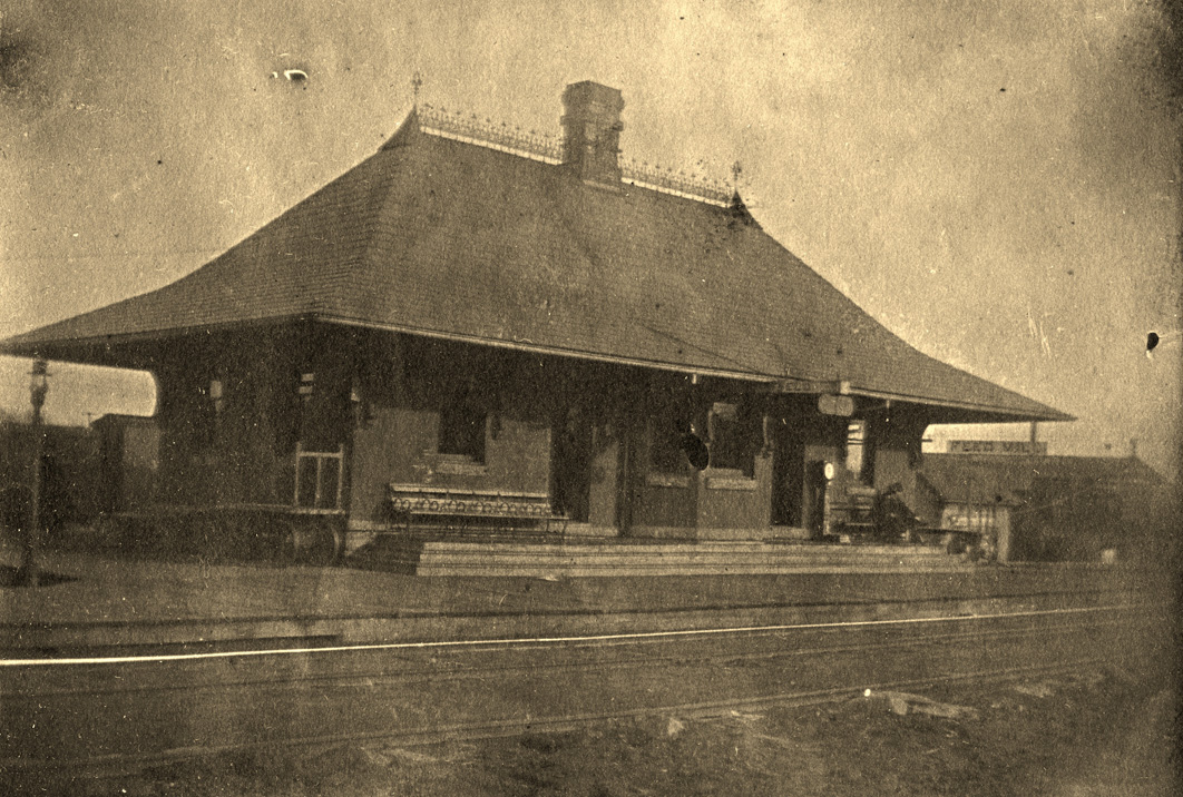 1896 View of the Depot (Photo Carleton College archives via Save the Northfield Depot)